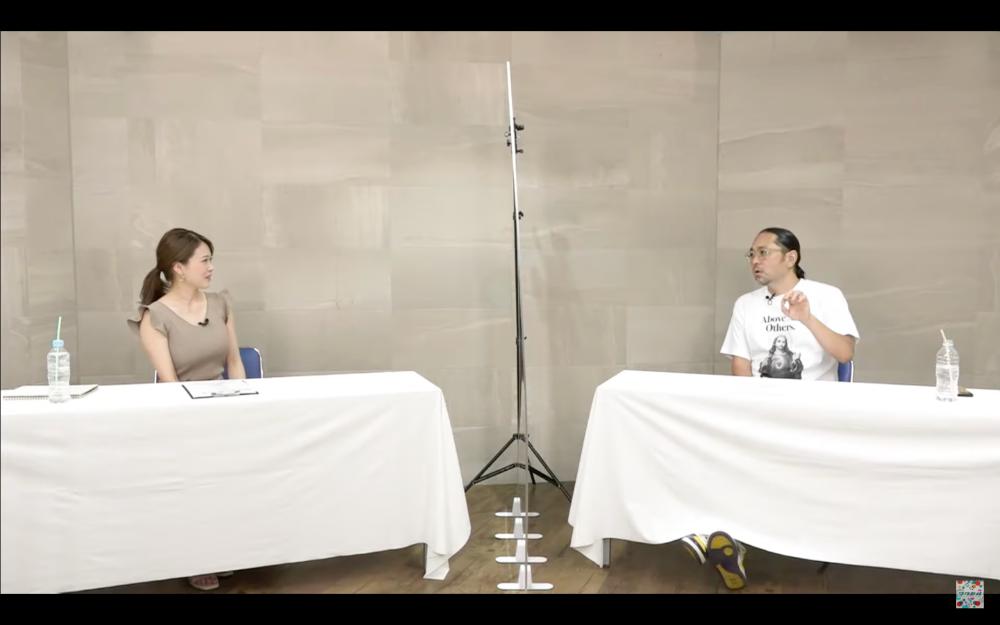 演出家マッコイ斉藤さん、井上彩子さんによるオンライン講演会がログミーに掲載-アイキャッチ